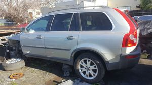 2005 Volvo xc90 all I have left is doors for Sale in San Leandro, CA