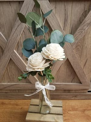 Wood Rose Centerpiece for Sale in Beaumont, CA
