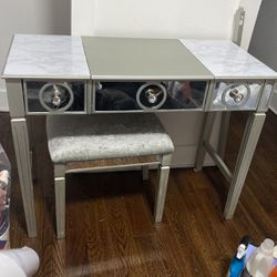 Makeup Vanity With Mirror Drawers And Stool for Sale in Brooklyn,  NY