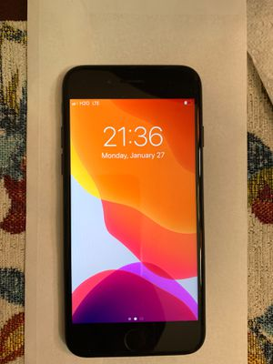 Iphone 7 32gb Black - Unlocked - Mint condition for Sale in Redmond, WA