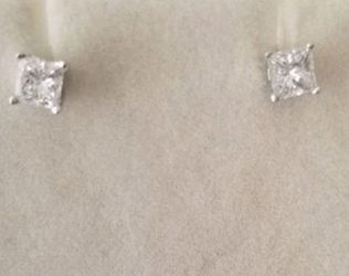 Princess Cut Diamond Stud Earrings for Sale in Chicago,  IL