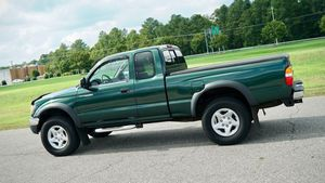 2002 Clean Title Toyota Tacoma for Sale in Columbus, OH