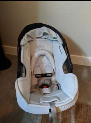 Orbit Baby G2 Infant Car Seat w/base for Sale in Poulsbo, WA