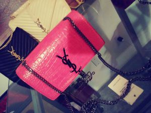 YSL CROCODILE 2 LEFT for Sale in Imperial Beach, CA