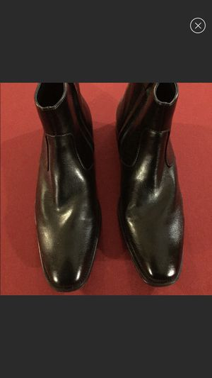Mens Kenneth Cole zipper ankle boots. Size9.5 for Sale in Chicago, IL