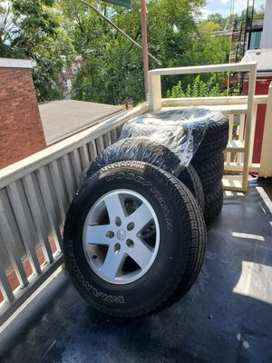 Jeep wrangler 2012 5 wheels for Sale in Lancaster, PA
