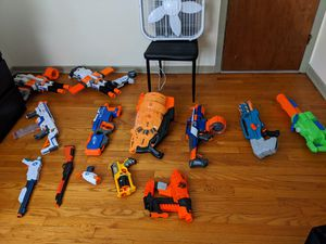 A lot of nerf guns with no bullets and 1 is a water gun for Sale in Calumet Park, IL
