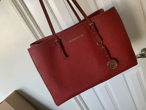 Michael Kora red purse tote bag perfect condition for Sale in Tustin, CA