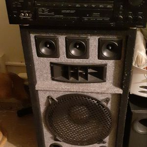Onkyo Receiver and Speaker Combo for Sale in Brooklyn, NY