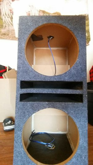 Sub box and Amp for Sale in Waianae, HI