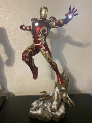 Iron Studios Avengers Age Of Ultron Iron Man MK 43 1/4 Statue for Sale in Bartow, FL
