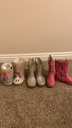 Toddler girl boots size 8 for Sale in Etiwanda, CA