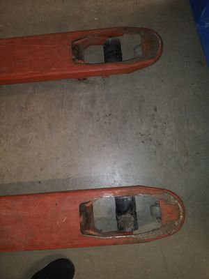 Hand pallet lift for Sale in Arlington, TX