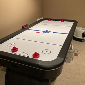 8 Foot Arctic Star Air Hockey Table for Sale in Frankfort, IL