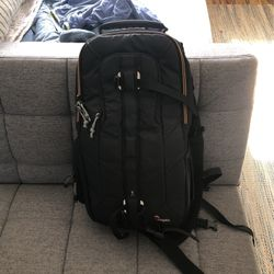 Lowepro Camera Sling Bag for Sale in San Diego,  CA
