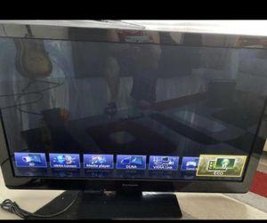 """Panasonic viera 42"""" for Sale in Orlando, FL"""