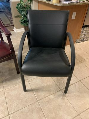 Black leather chair for Sale in Land O Lakes, FL