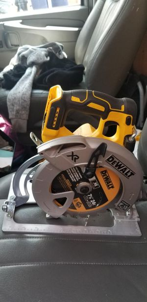 Brand new dewalt 7 1/4 circular saw brushless 20v tool only for Sale in Chicago, IL