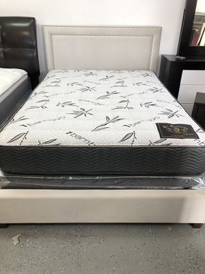 QUEEN SIZE BED FRAME MATTRESS AND BOX SPRING NEW⭐️READY FOR PICK UP OR DELIVERY AVAILABLE ⭐️⭐️HABLAMOS ESPAÑOL ⭐️⭐️ for Sale in Carson, CA
