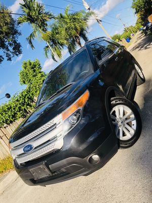 2013 Ford Explorer xlt for Sale in Doral, FL