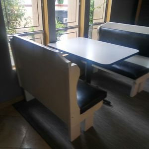 Retro restaurant style table and booth for Sale in Phoenix, AZ