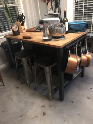 Island/ kitchen table for Sale in Tucker, GA