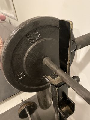 """TRADE?!?!?! 1"""" Standard Barbell and Curl Bar for Olympic 2"""" Curl Bar and Barbell??? for Sale in Camden, NJ"""