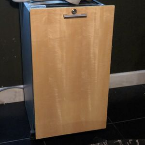 "18"" Miele slimline series G818SCVi + Built-in Dishwasher Wood Panel for Sale in Las Vegas, NV"