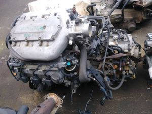 Honda pilot engine and transmision all wheel drive for Sale in Charlotte, NC