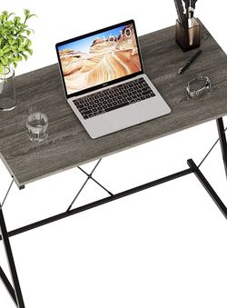 """Small Modern Computer Desk 31.5"""" Home Office Compact Laptop Table Simple Student Kid Writing Desk for Sale in New York,  NY"""