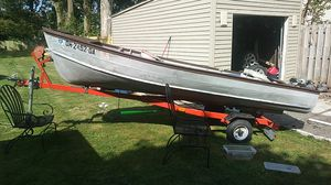 16 ft a aluminum fishing boat for Sale in Cleveland, OH