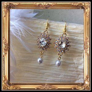 🎀 New custom diamond bling dangle pearl earrings for Sale in Las Vegas, NV