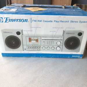 Emerson AM/FM cassette stereo system MM800 for Sale in Murrieta, CA