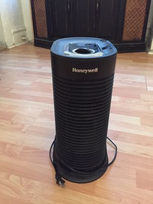 Honeywell Air Purifer for Sale in Pittsburgh, PA