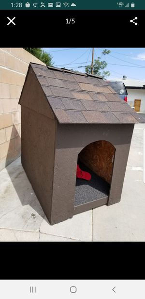 Dog house extra large for any size breed for Sale in Moreno Valley, CA