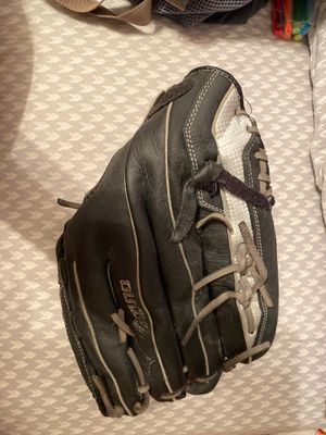 Mizuno 13 fast pitch softball glove for Sale in Crawfordsville, IN
