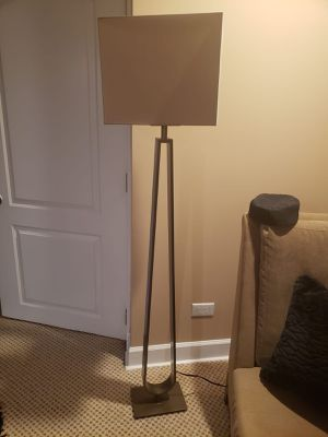 FLOOR LAMP for Sale in Skokie, IL