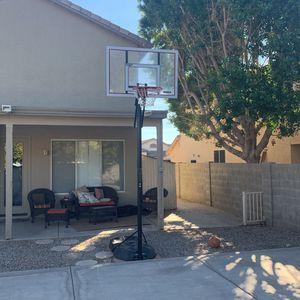 Portable 10 Foot Adjustable Basketball Hoop for Sale in Chandler, AZ