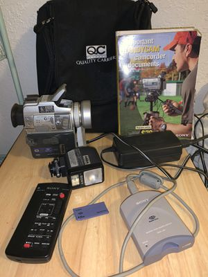 Sony Handycam DCR-pc110 for Sale in West Palm Beach, FL
