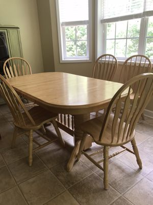 Oak Wood Table With 6 Chairs For Sale In Springfield MO