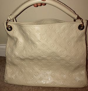 Cream large hobo bag for Sale in Canal Winchester, OH