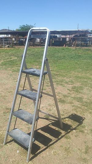 4 foot ladder professional painting for Sale in Peoria, AZ