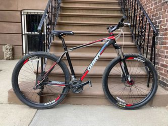Mountain Bike - 2010 XL Giant Talon 2 for Sale in Brooklyn,  NY