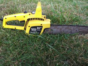 Wen electric chainsaw for Sale in Vancouver, WA