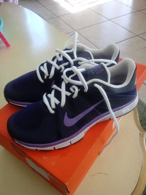 New nike size 5 for Sale in Baldwin Park, CA