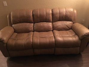 Leather power dual recliner for Sale in Miramar, FL