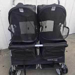 DOG STROLLER DOUBLE for Sale in Los Angeles, CA