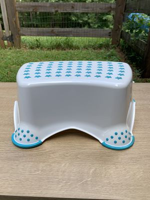 Stepping Stool. for Sale in Barboursville, VA