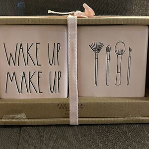 Rae Dunn Pink Wake Up Make Up Set for Sale in Aumsville, OR