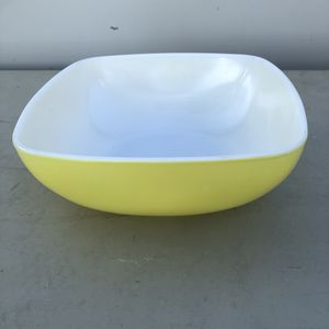 Vintage yellow Pyrex for Sale in Fullerton, CA